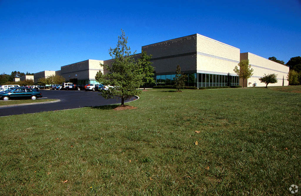 NAI Hanson's Perkins and Todd Negotiate 15,040-Square-Foot Industrial Lease in Somerset, N.J.
